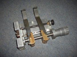 Universal Instruments Axial Dispenser Heads