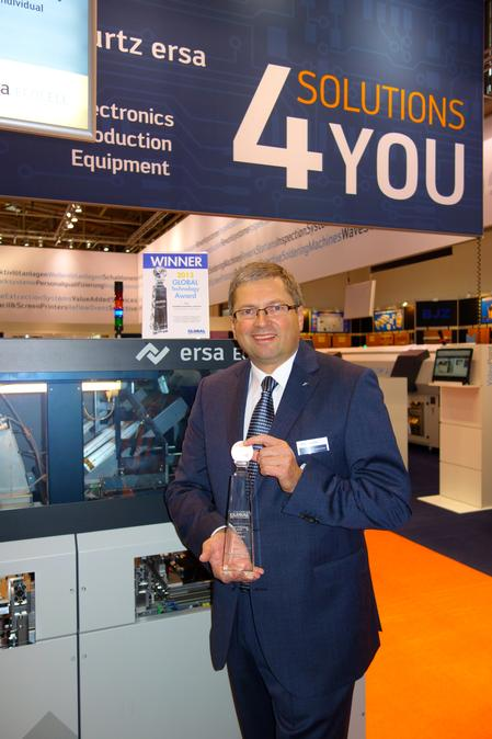 Rainer Krauss, General Sales Manager Ersa GmbH, accepts the Global Technology Award at Productronica