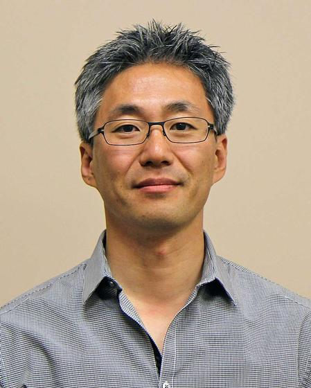 Harry Yun, General Manager of Koh Young America.