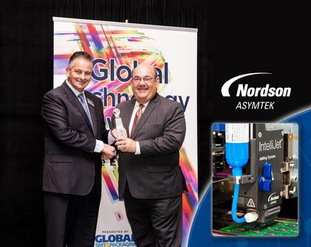 Joe Stockunas, vice president, Advanced Technology, Nordson Corporation, accepts award.
