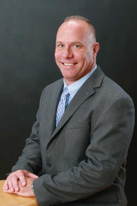 Bill Hacket, P. D. Circuits' new Eastern Regional Sales Manager.