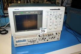 Tektronix CSA 8000 Communication Analyzer With Modules