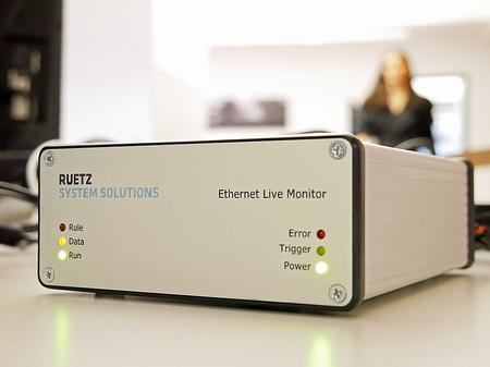 The Ethernet Live Monitor identifies the according errors in the live stream and triggers the data logger.