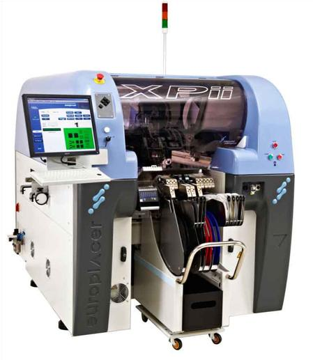 The XPii-II is a smaller footprint, high speed, pick-and-place machine incorporating the same technologies as the larger footprint iineo platform.