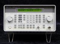 Agilent 8648B Synthesized Signal Generator, 9 kHz to 2000 MHz