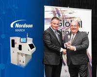 Joe Stockunas, vice president, Advanced Technology, Nordson Corporation, accepts award.