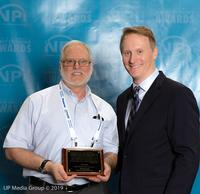 Editor-in-Chief, Mike Buetow presented the award to Larry Durandette, Senior Director Engineering / QMS.