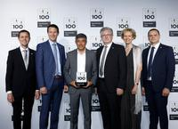 Ranga Yogeshwar (center) honored Scheugenpflug AG as a top innovator on June 28, 2019: Jürgen Wilde, Christian Ostermeier, Erich Scheugenpflug, Melanie Scheugenpflug, Sergej Erbes (from left to right). Image: KD Busch / compamedia