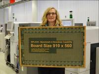 Even unusually long PCBs with dimensions of up to 910 x 560 mm can be processed in SIPLACE SX1 and SIPLACE SX2 machines.